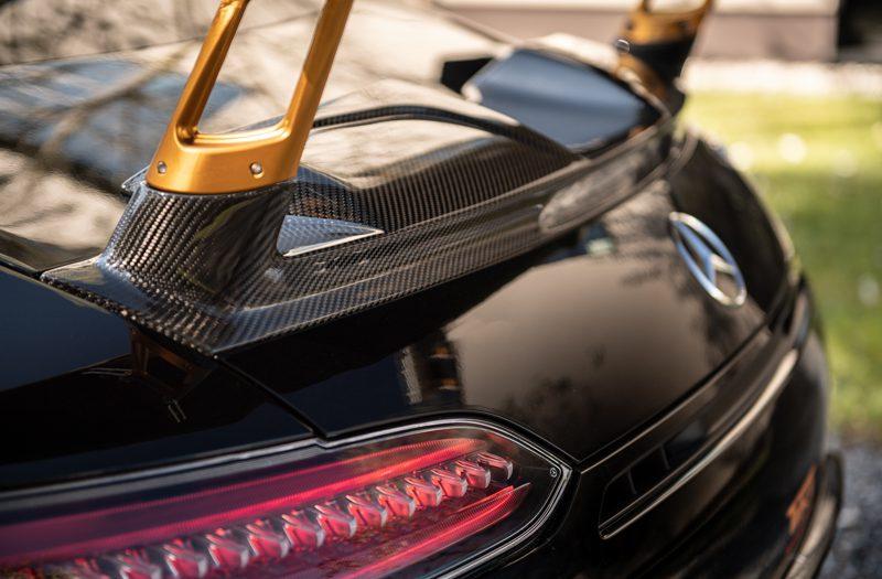 Izrada karbonskih delova za automobile i medicinu
